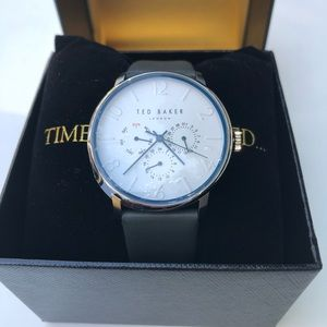 Ted Baker Watch With Gray Leather Straps